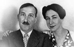 Avec Lotte Altmann, sa seconde épouse, qui se suicidera avec lui le 22 février 1942.