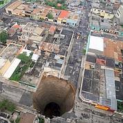 Pluies : un trou géant au Guatemala