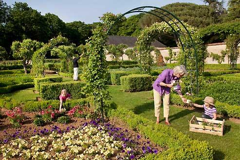 Le bonheur est dans le jardin for Jardin et loisir