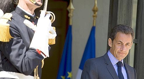 Nicolas Sarkozy, vendredi sur le perron de l'Élysée, estime que François Bayrou peut ravir quelques voix à gauche.