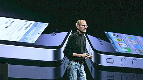Steve Jobs dévoile l'iPhone 4
