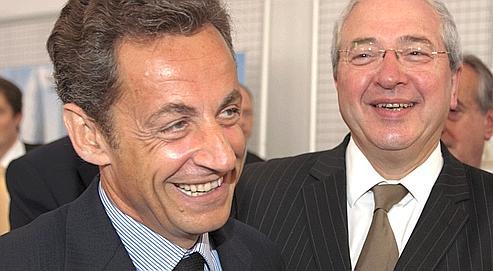 Nicolas Sarkozy et Jean-Paul Huchon, en juin 2009, à la Défense.