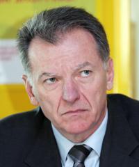 Jean-Louis Blanchou, actuellement responsable de la sûreté chez Aéroports de Paris, est pressenti pour le poste.