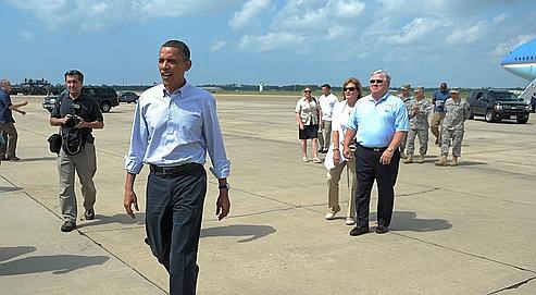 Barack Obama, à son arrivée, lundi, dans le Mississippi.