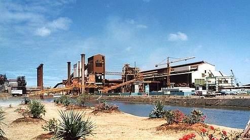 Une usine de traitement de nickel à Nouméa (Nouvelle Calédonie)  appartenant au groupe Eramet.
