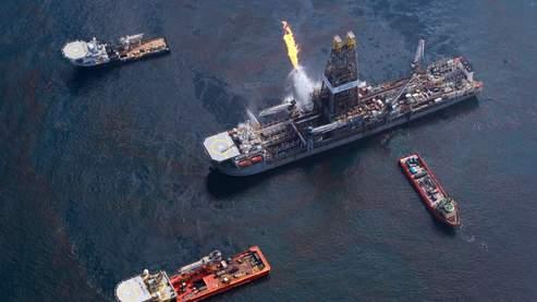 Depuis le naufrage de Deepwater Horizon, BP tente d'arrêter la catastrophe en creusant un nouveau puits.