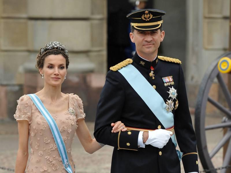 L'Espagne était elle représentée par la reine Sofia, le prince Felipe et son épouse Letizia (photo). Côté anglais, Elizabeth II était représentée par son fils cadet Edward et son épouse Sophie.