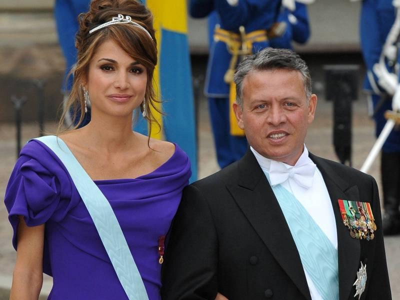 Ont également assisté aux noces, dont le coût -10 millions d'euros- a fait polémique, le roi Abdullah II de Jordanie et sa femme Rania (photo). De même que le prince du Japon Nahurito.