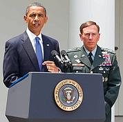 Barack Obama avec le général David Petraeus.