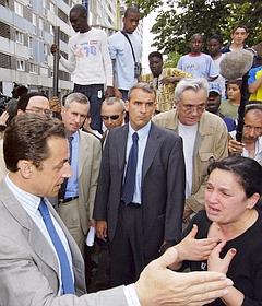 En visite à la Courneuve en juin 2005, Nicolas Sarkozy avait promis de «nettoyer au Kärcher» le quartier.