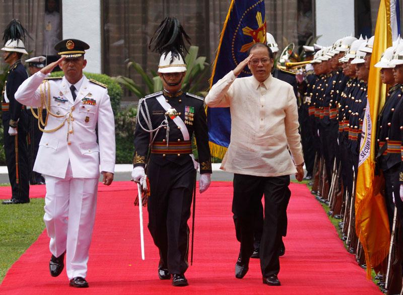 Le 30 juin, le nouveau président philippin Benigno Aquino arrive au palais présidentiel de Malacanang à Manille pour sa prestation de serment. Il a remporté largement le 10 mai dernier l'élection présidentielle aux dépens de l'ancien président Joseph Estrada.