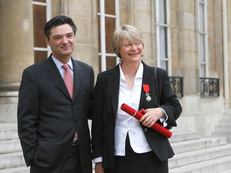 />Sophie Devedjian, élue locale.</b> L'épouse du ministre de la Relance est également une figure de la ville d'Antony, dont Patrick Devedjian a été maire de 1983 à 2002. Sophie est adjointe au maire chargée de l'urbanisme, de la politique de la ville et de la cohésion sociale.&nbsp;&raquo; height=&nbsp;&raquo;361&Prime; /></p> <p><font face=