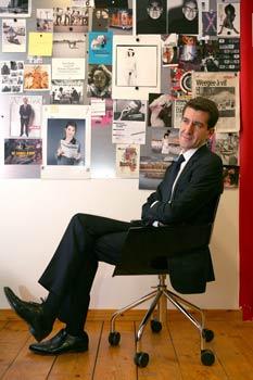 Matthieu Pigasse est propriétaire du magazine «Les Inrockuptibles» depuis un an. Une façon d'associer son métier de financier, son goût pour la presse et sa passion pour le rock. L'aventure continue en devenant actionnaire du «Monde». (Sandrine Roudeix/Le Figaro Magazine)