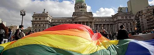 L'Argentine légalise le mariage gay