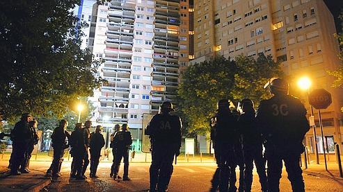 Ce coup de filet à la Villeneuve, un quartier sensible de Grenoble, a été mené vers 6h du matin .