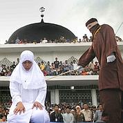 En Indonésie, la police de la charia fait la loi