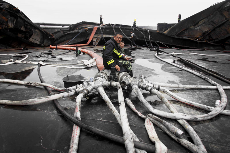 Plus de 2000 pompiers ont été mobilisés pour éteindre le  gigantesque incendie qui n'a pas fait de victime.