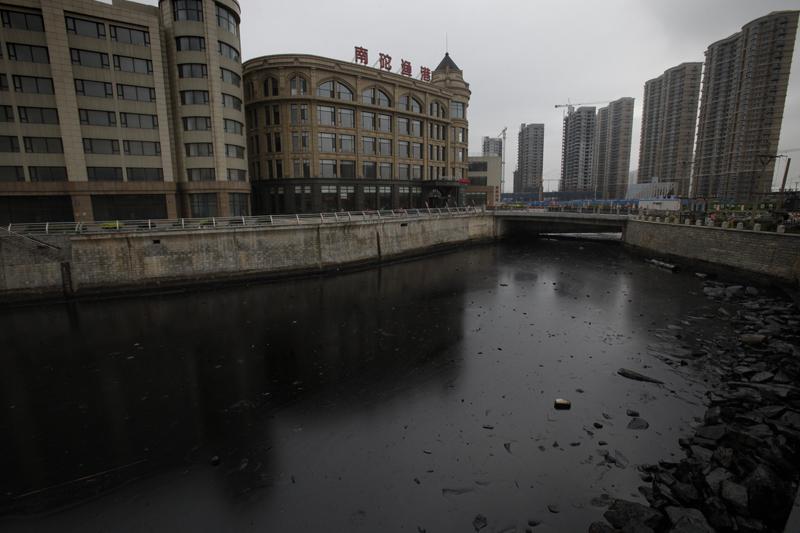 Le pétrolier CNPC est une nouvelle fois pointé du doigt, après  l'explosion d'une usine chimique dans la province de Jilin en décembre  2005 et un pollution aux hydrocarbures sur le Fleuve Jaune en janvier.