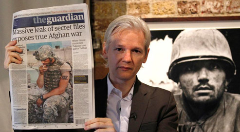 Le fondateur du site WikiLeaks, Julian Assange, a affirmé n'avoir pas versé un centime pour obtenir les documents confidentiels du Pentagone. (crédits photo : Andrew Winning/Reuters)