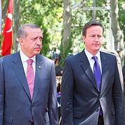 UE: Cameron sème la discorde