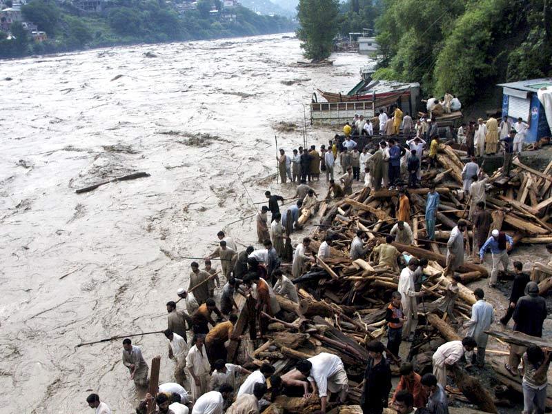 Le Pakistan a l'habitude de voir la mousson provoquer des inondations destructrices. Mais les trombes d'eau qui se sont abattues ces trois derniers jours sont ''sans précédent'', a estimé le le service national de météorologie.