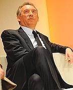 Bayrou se dit «ouvert» à un rassemblement autour des villepinistes.