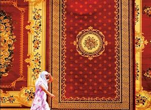 Les coupoles marchandes de Boukhara, que se partagent les différentes corporations (chapeliers, bijoutiers, etc.), sont toujours aussi somptueuses. Ici, le marché aux tapis.
