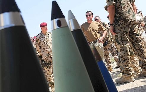 Le ministre de la Défense allemand, Karl-Theodor zu Guttenberg, visite ses troupes en Afghanistan. Ce dernier a levé le voile sur les opérations de l'armée allemande dans le pays.
