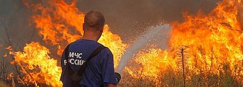 Face aux feux, Medvedev décrète l'état d'urgence