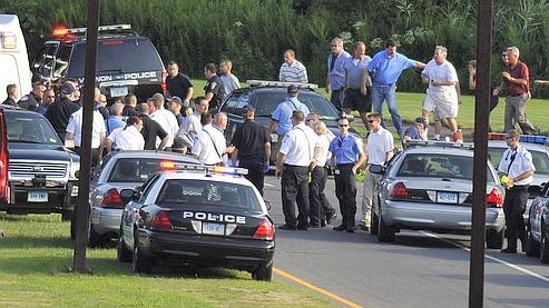 Le tireur, un employé de l'entreprise qui, selon des médias locaux, avait été convoqué par la direction pour un problème disciplinaire.