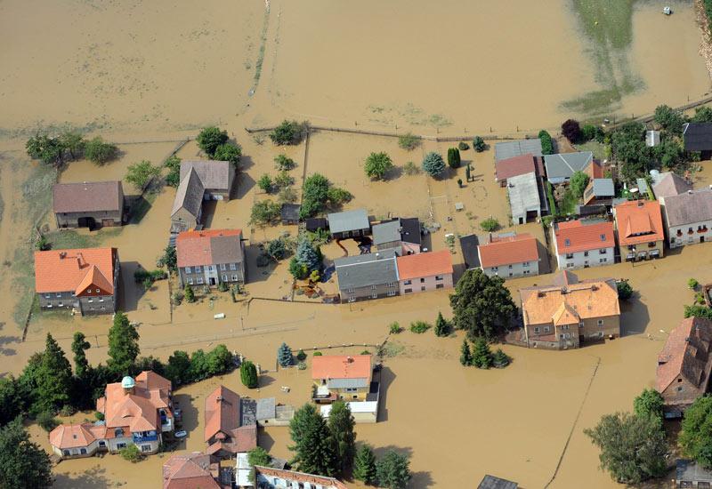 La pluie a toutefois cessé de tomber dimanche et les pronostics météo pour cette région d'Europe étaient optimistes. C'est la troisième fois cette année que la Pologne est confrontée à des inondations meurtrières. En mai et juin, 22 Polonais avaient perdu la vie, ainsi que six Tchèques.