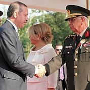 Turquie: l'armée recule face au gouvernement