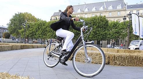 Les Journées de la mobilité électrique, l'année dernière, sur le parvis de l'Hôtel de ville de Paris.