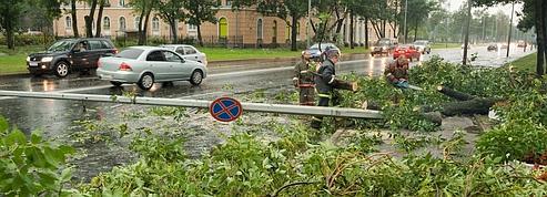 Après les incendies, la Russie fait face à de violents orages