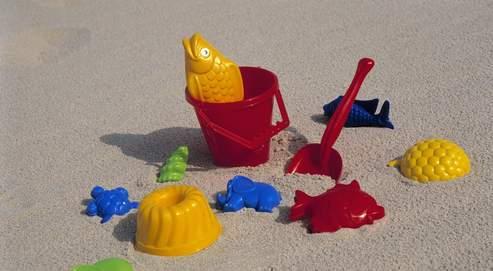 Jouets de sable.