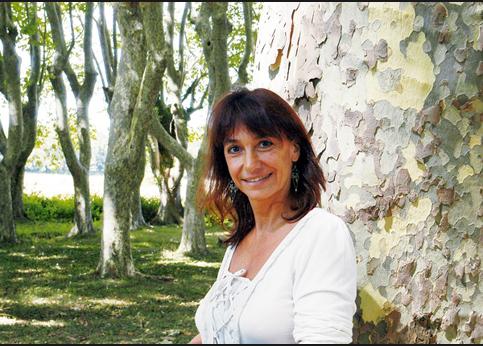 <strong>Fille du dramaturge François Billetdoux</strong>, Marie Billetdoux est notamment l'auteur de <i>Prends garde à la douceur des choses</i>, prix Interalliée en 1976, et de <i>Mes nuits sont plus belles que vos jours</i>, qui a reçu le prix Renaudot en 1985.