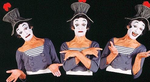 A l'inverse du mime Marceau, dont les gestes exprimaient volontairement tous les messages qu'il souhaitait transmettre, nos gestes, même les plus infimes, traduisent le plus souvent une communication inconsciente. (Crédits photo : Arnaud de Wildenberg)