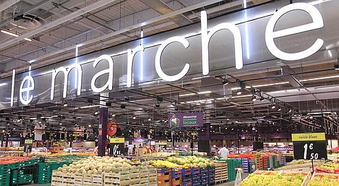 Le marché, l'un des huit pôles spécialisés du nouveau concept de Carrefour, Planet. Ici, le magasin pilote d'Écully, dans la banlieue de Lyon, qui doit être inauguré aujourd'hui.