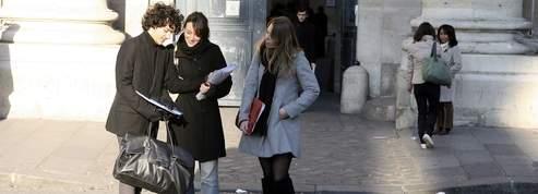 Sarkozy renonce à amputer l'aide au logement étudiant<br />