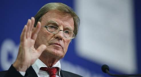 «Je vous mentirais et je renierais mon engagement de toute une vie si je vous disais que cet éclat autour des Roms m'a fait plaisir», a concédé Bernard Kouchner.