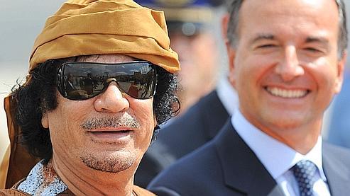 Le Colonel Kadhafi à son arrivée à Rome.