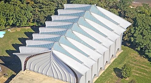 Un toit aux États-Unis revêtu de Kynar Aquatec,une résine sans solvant qui conserve son pouvoir réfléchissant quasi intact pendant vingt ans. (crédits photo : DR)