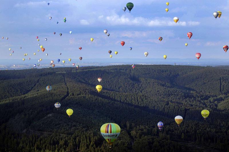 Pour sa 18ème édition, la montgolfiade internationale de Warstein en Allemagne a débuté ce week-end avec au total, 137 montgolfières.