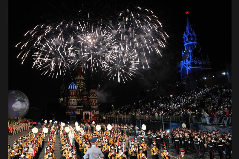 Jeudi 9 septembre, des orchestres militaires sont venus du monde entier à l'occasion du Festival de musique militaire qui s'est déroulé sur la Place Rouge à Moscou.