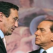 Berlusconi exige la démission de Fini