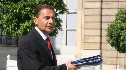 Le ministre de l'immigration a prétendu qu'il n'était pas au courant de la circulaire de Brice Hortefeux. (Crédits photo : Le Figaro)