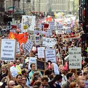 Manifestation contre le Pape et les positions de l'Eglise
