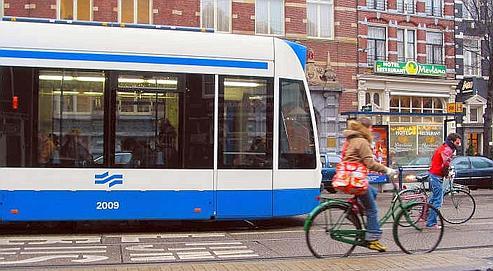 Les villes misent sur des modes de circulation «douce» dans l'optique d'un comportement plus éco-responsable de ses citoyens. (Crédits photo : Le Figaro)