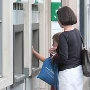 Lagarde s'attaque aux tarifs bancaires