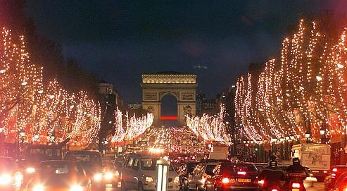 Sur les Champs-Élysées, le prix du mètre carré par an a reculé de 9,5%.